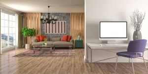 Blick auf Arbeitsplatz und Couch